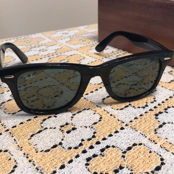 0377551944edf Ray-Ban Accessories - 🌟HUGE FLASH SALE🌟Ray Ban Wayfarer sunglasses